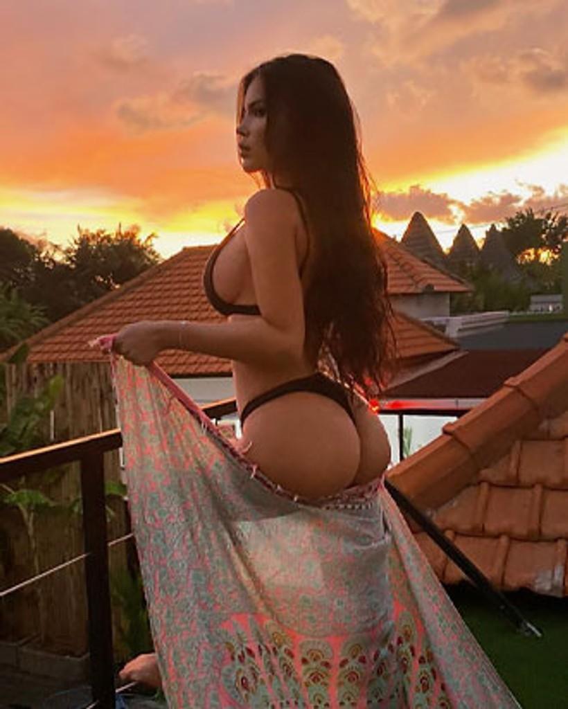 Online sexiest girls 10 BEST